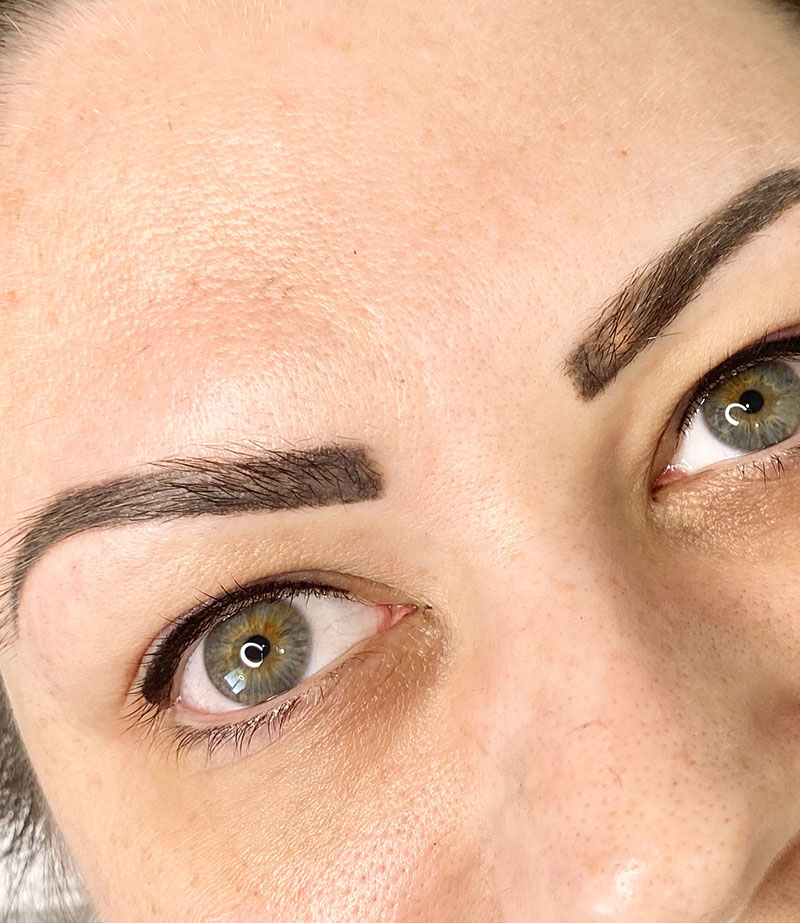 Eyebrow Tattooing Melbourne | Cosmetique Tattooing | Melbourne's leading Cosmetic Eyebrow & Eyeliner tattooist located in East Doncaster | Book Now